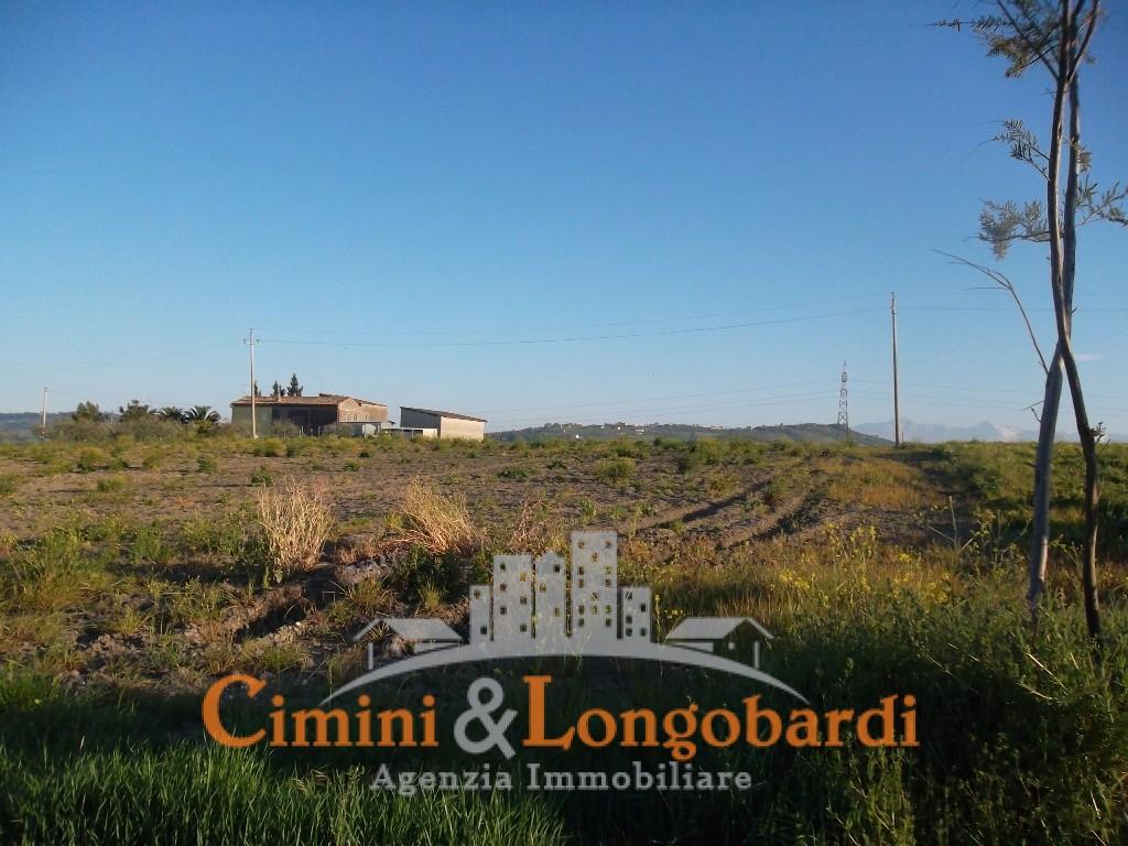 Casa affiancata con terreno agricolo a Campli - Immagine 8
