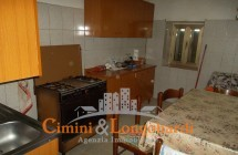 Casa affiancata con terreno agricolo a Campli - Immagine 3