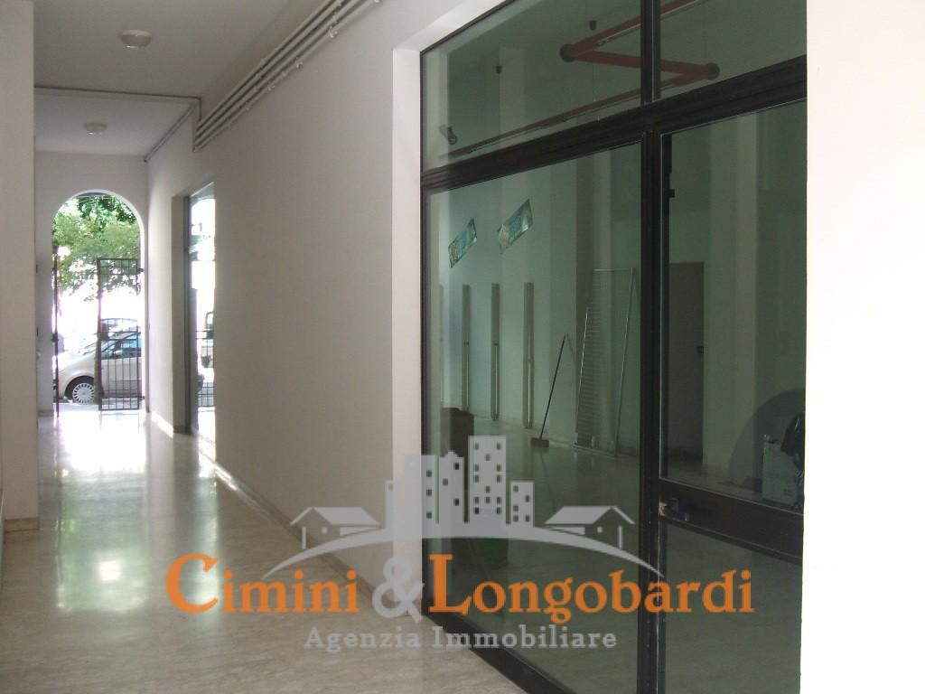 Nereto Locali commerciali in affitto o vendita centralissimo - Immagine 2