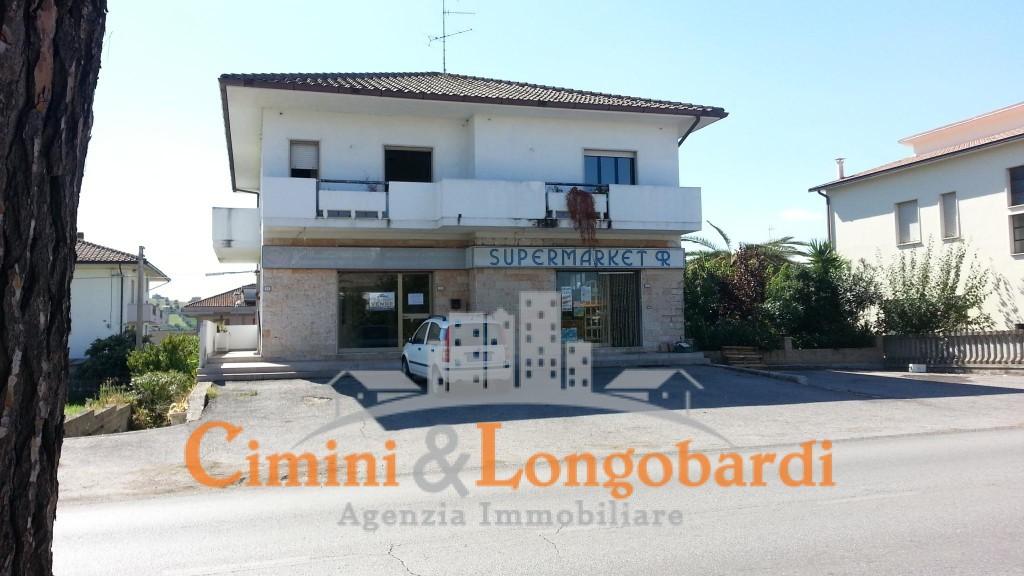 Locale commerciale zona trafficata Corropoli - Immagine 2