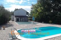 Sant'Omero casa con piscina