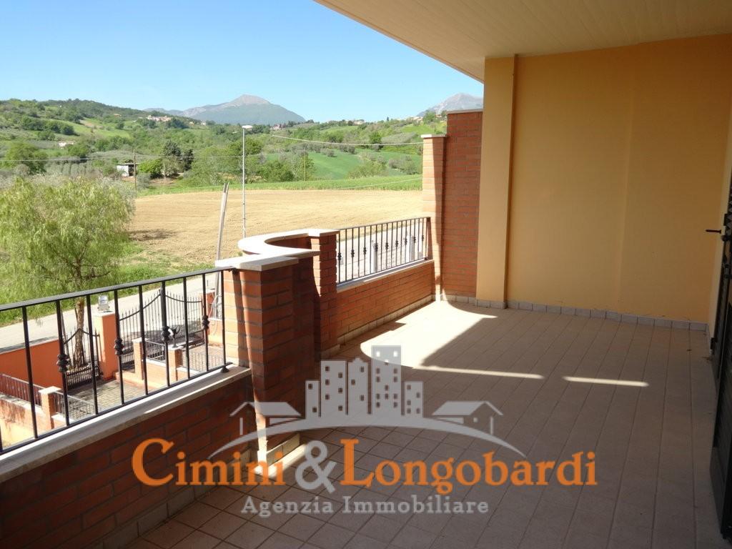 Vendesi villa a schiera a Sant'Onofrio di Campli - Immagine 8