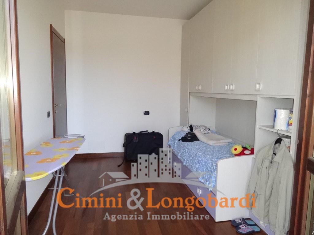 Appartamento su 2 livelli con ingresso indipendente - Immagine 5