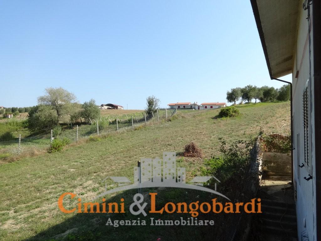 Casa singola con terreno a Sant'Egidio alla Vibrata - Immagine 10