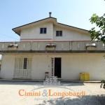 Casa singola con terreno a Sant'Egidio alla Vibrata