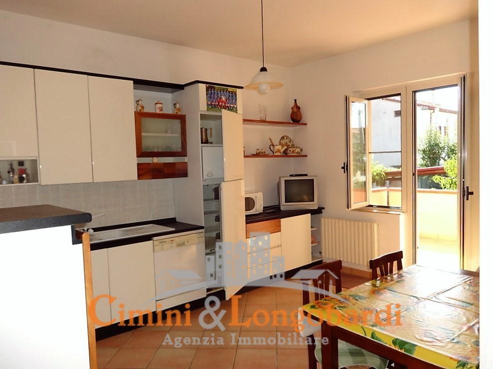 Casa indipendente con 2 appartamenti - Immagine 3