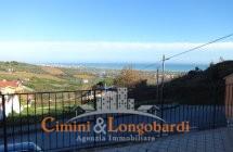 Villino a schiera in posizione panoramica con vista mare prezzo interessante € 120.000