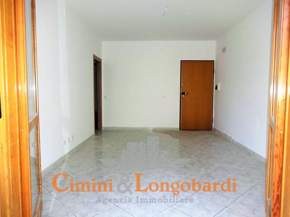A soli € 75.000,00  Appartamento Completo di box auto, cantina e soffitta. - Immagine 3