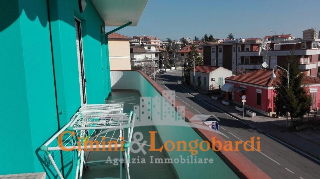 Appartamento di 110 mq in posizione centrale a soli € 90.000 - Immagine 9