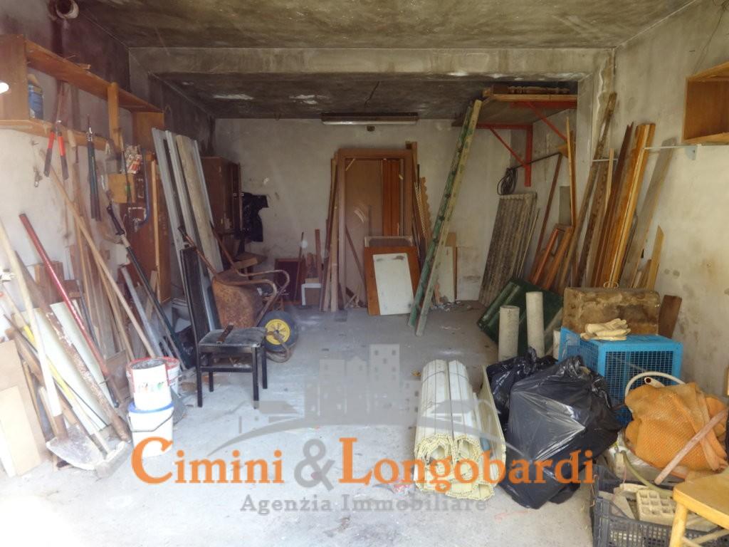 Locale ad uso deposito o rimessa con terreno - Immagine 4