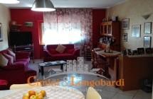Appartamento ristrutturato di recente.. con box auto.. a soli € 85.000