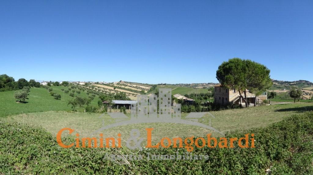 Casale con terreno… Zona  panoramica con vista mare - Immagine 3