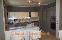 Villino con 2 appartamenti.. Zona centralissima - Immagine 8