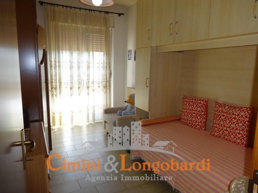 Ampio appartamento completo di box e cantina - Immagine 8