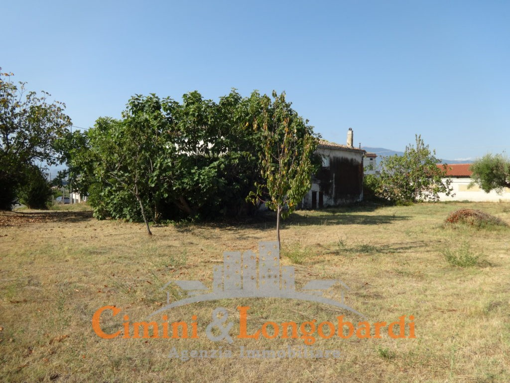 Casale con terreno zona Torano Nuovo - Immagine 4