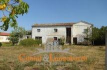 Casale con terreno zona Torano Nuovo - Immagine 2