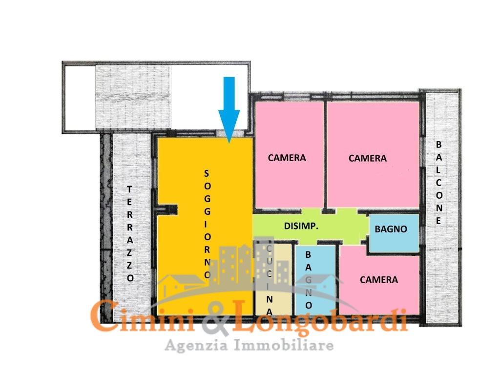 Appartamento di 100 mq con box auto ben tenuto for 2 box auto con officina e soppalco