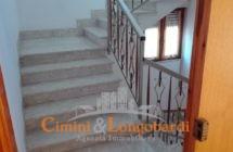 Casa indipendente con 3 appartamenti separati - Immagine 9