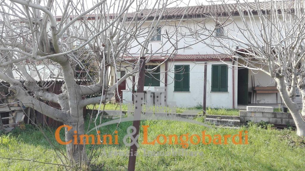 Casetta singola con giardinetto - Immagine 4