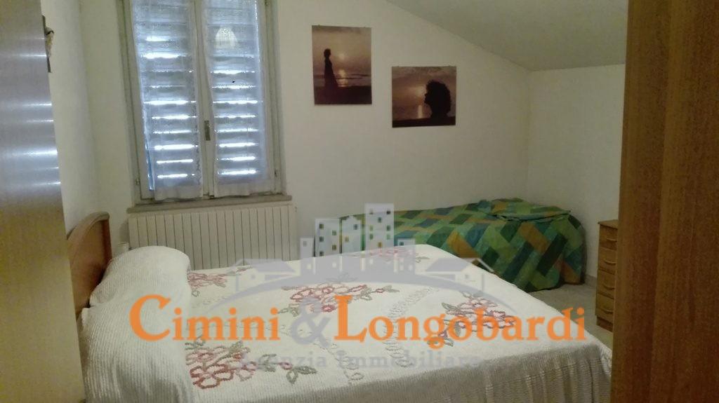 Casetta singola con giardinetto - Immagine 8