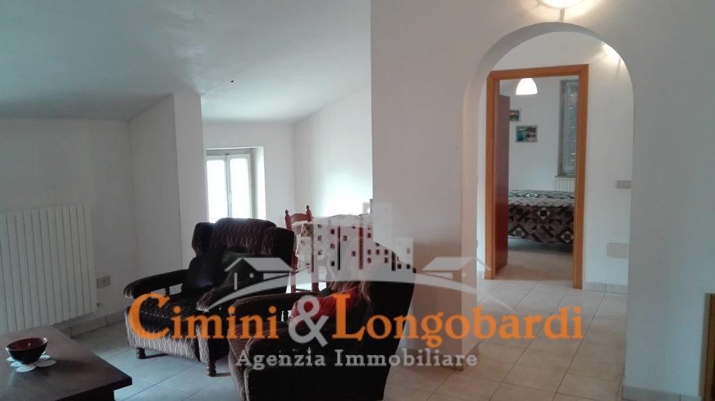 Casetta singola con giardinetto - Immagine 9
