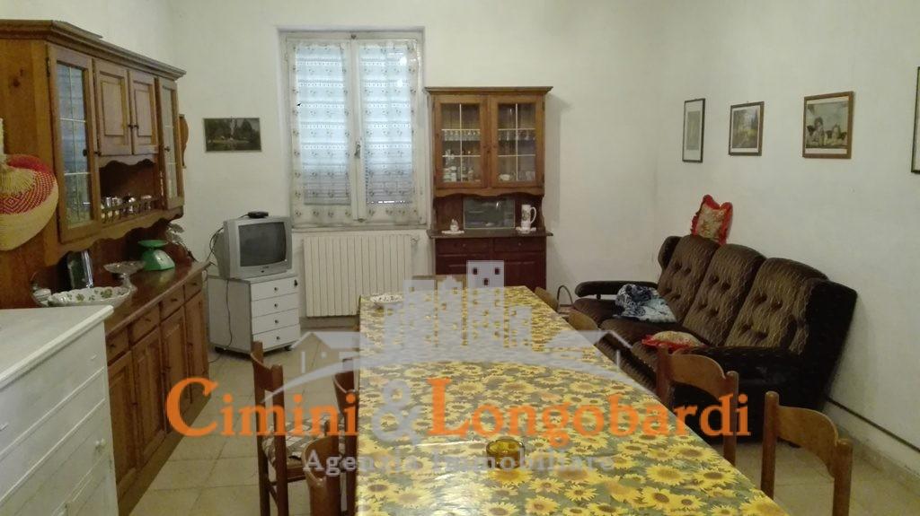 Casetta singola con giardinetto - Immagine 6