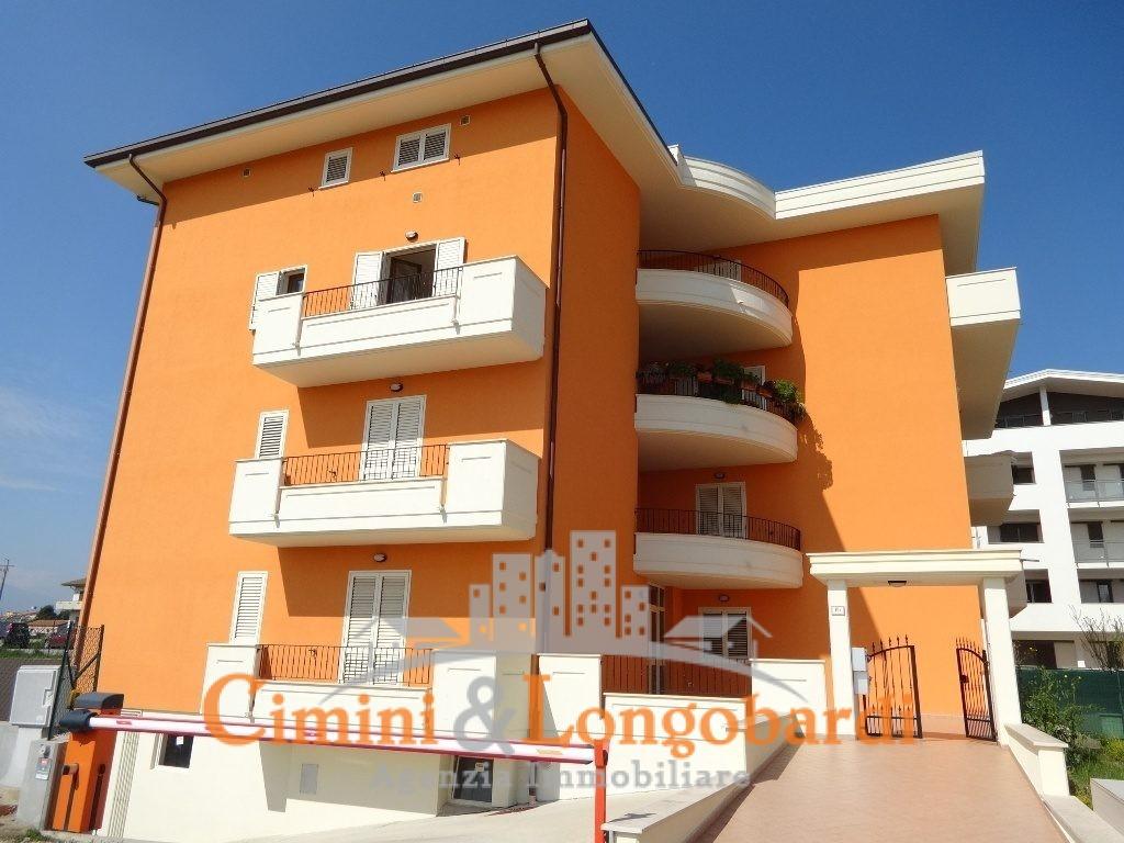 Appartamento di recentissima costruzione for Appartamento di efficienza seminterrato