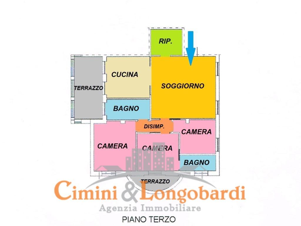 Appartamento con box zona centrale for 3 box auto con abitazione