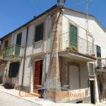 Casa nel centro storico di Torano