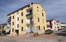 A soli € 40.000.. Appartamento di mq 100.. posto auto e ripostiglio