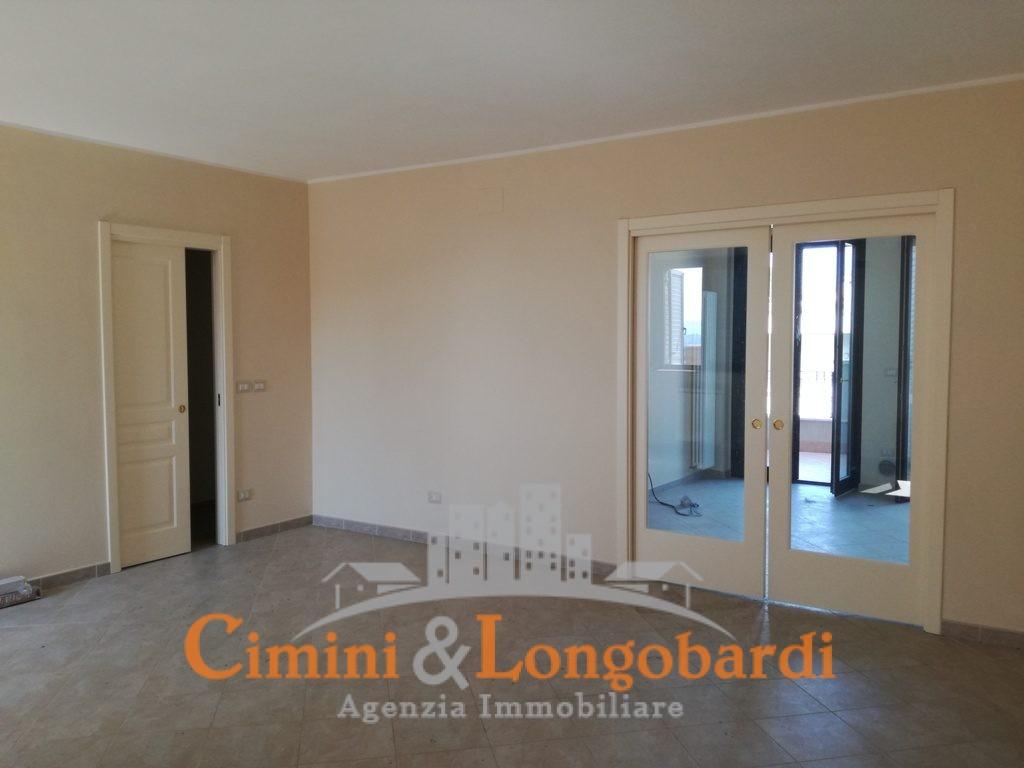 Appartamento con box zona centrale - Immagine 2