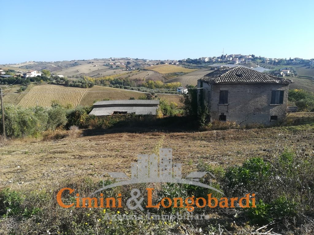 Torano Nuovo Casolare con terreno agricolo - Immagine 2
