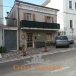 Casa affiancata e locale commerciale centro storico Corropoli