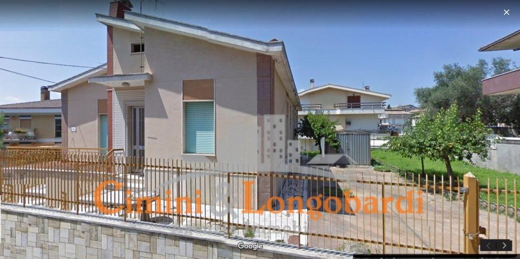 Casa singola con terreno.. Centralissima - Immagine 7