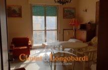 Casa singola con terreno.. Centralissima - Immagine 2