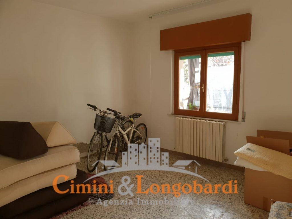 Appartamento con corte privata - Immagine 7