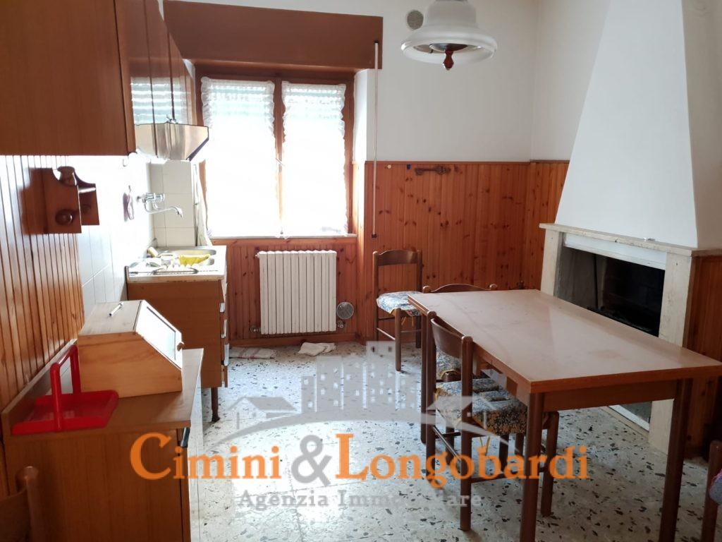 Appartamento con corte privata - Immagine 2