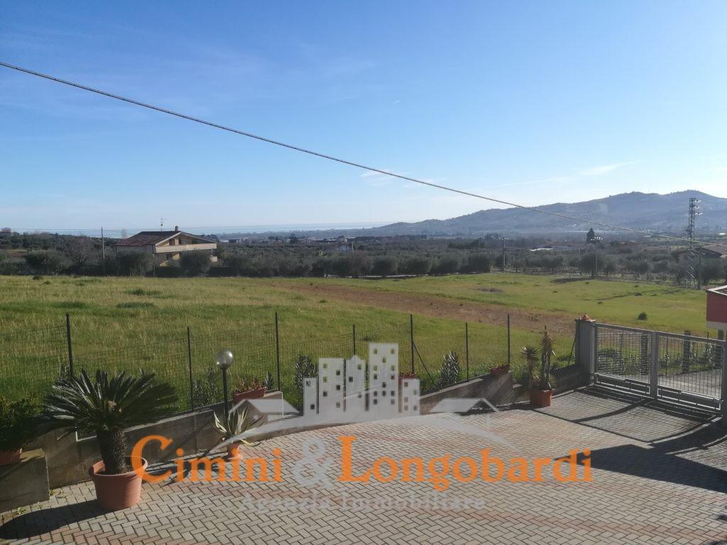 Villa vista mare colline Corropoli - Immagine 4