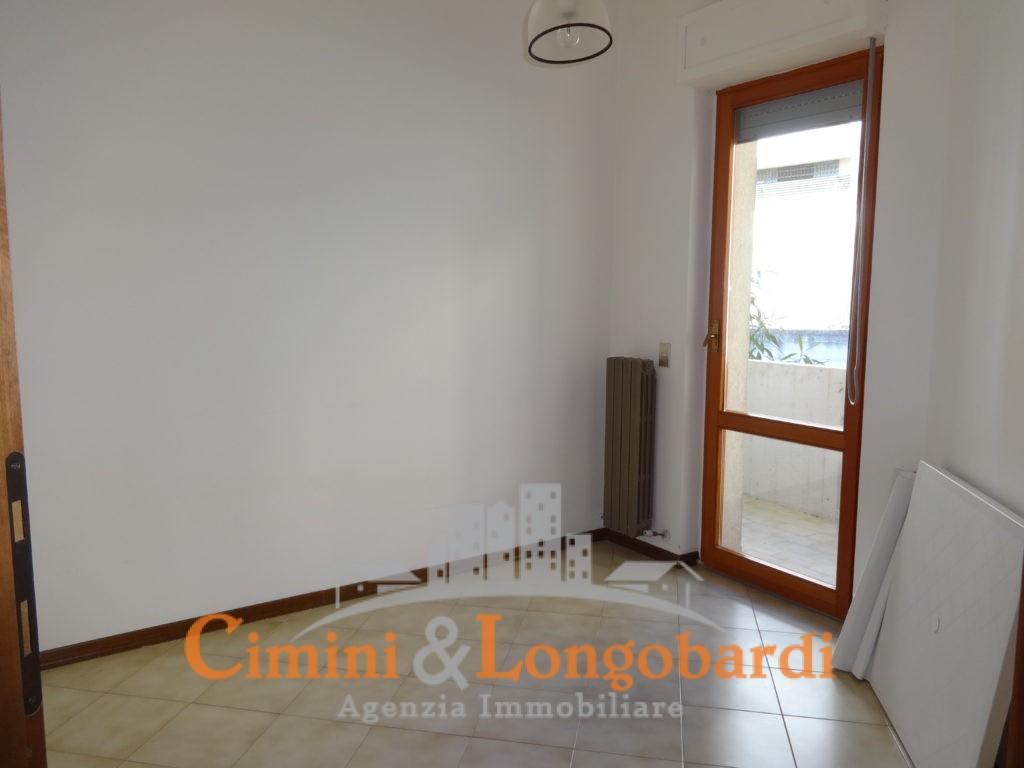 Appartamento Residenziale Completo di Box Auto e Cantina - Immagine 7
