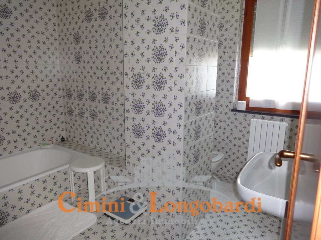 Appartamento Residenziale Completo di Box Auto e Cantina - Immagine 8