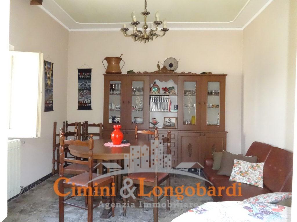 Casa singola a poca distanza dal centro di Sant'Omero - Immagine 2