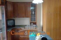 Ampio appartamento in ottima posizione - Immagine 2