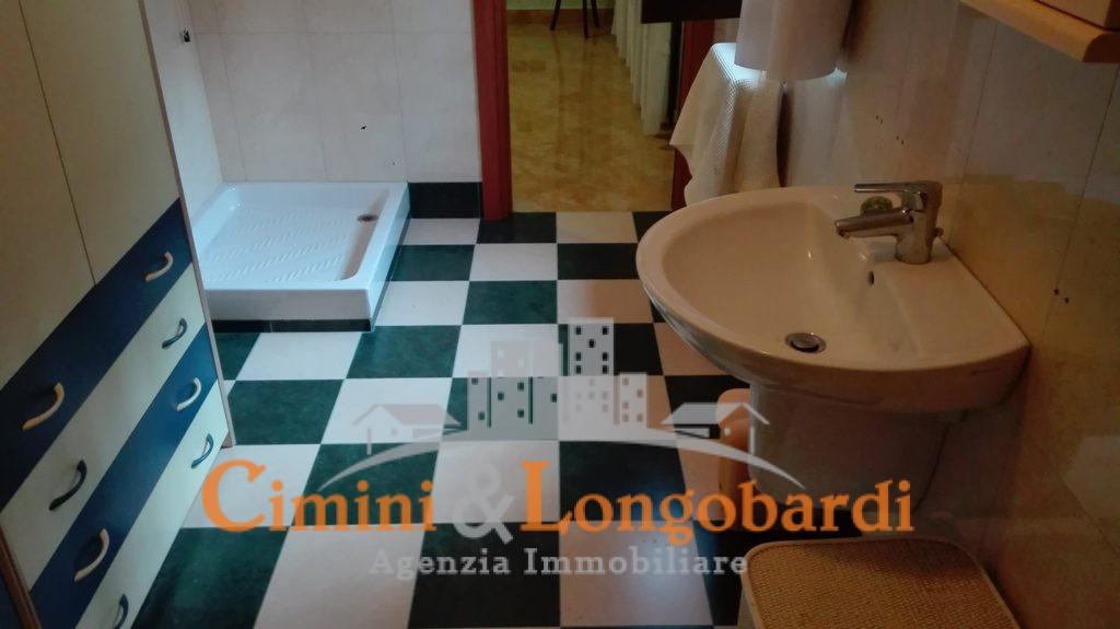 Ampio appartamento in ottima posizione - Immagine 7