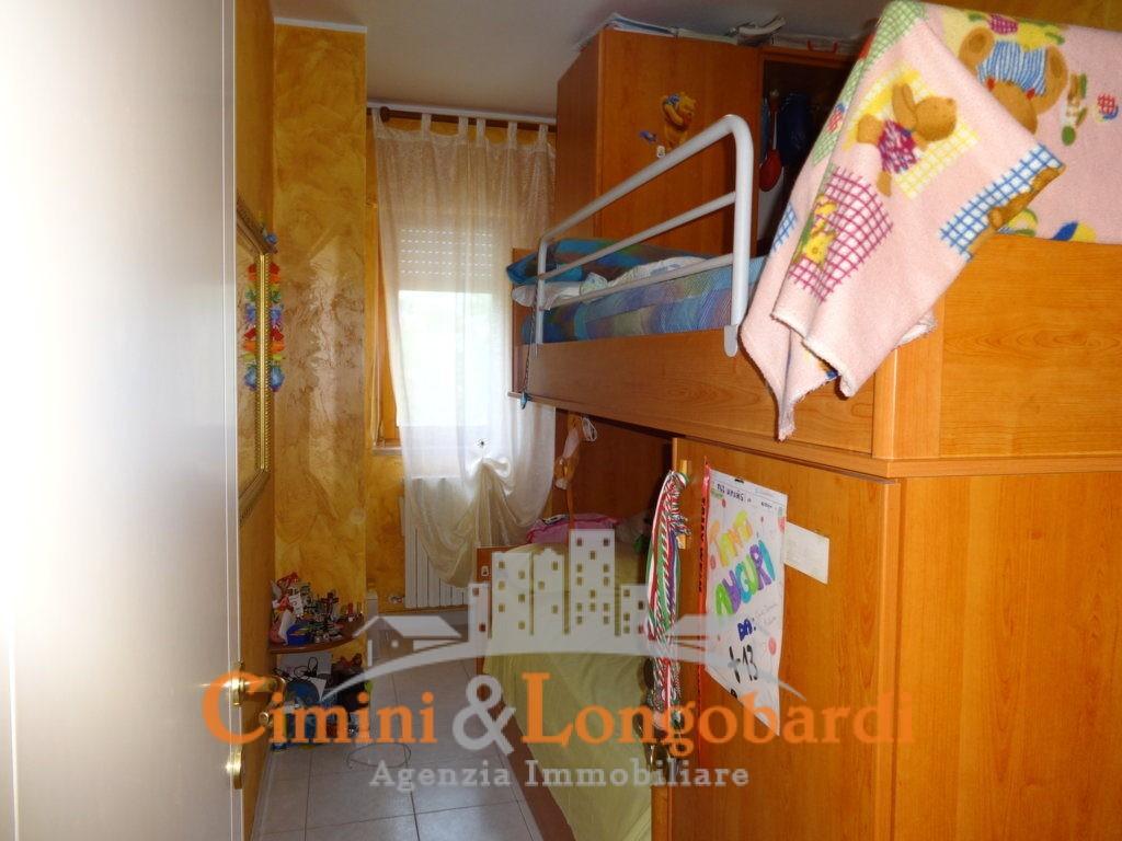 Appartamento con cantina e doppio posto auto - Immagine 7