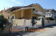 Casa singola, bifamiliare a Tortoreto zona Salino