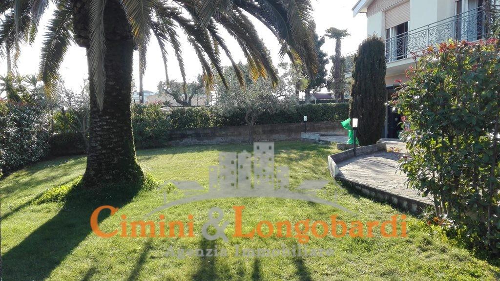 Nereto centro vendesi Villino - Immagine 3