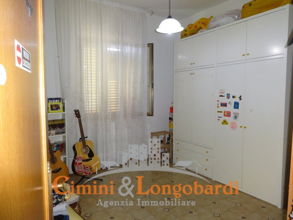 Casa su 2 livelli con terreno - Immagine 7