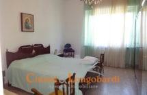 Casa singola con corte privata.. Frazione Villa Camera - Immagine 5