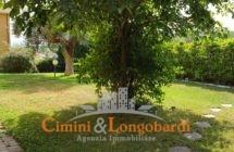 Appartamento residenziale con grande giardino - Immagine 2
