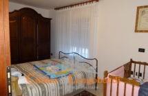 Villa con 2 appartamenti e terreno di 7.000 mq - Immagine 7